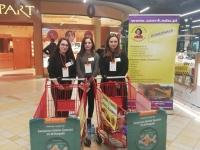 Świąteczna zbiórka żywności przez wolontariuszy z ZS Nr 4 w Dębicy już po raz drugi!_1